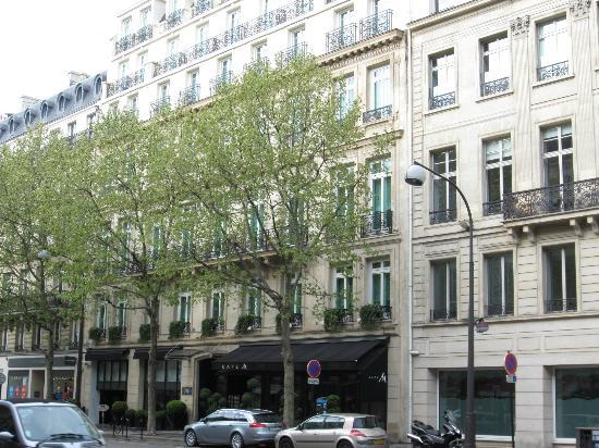 A nice building picture of hyatt paris madeleine paris for Garage boulevard de la madeleine nice