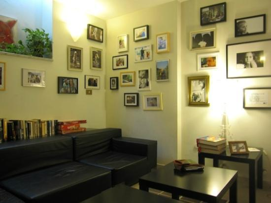 The Beehive: lounge area Beehive