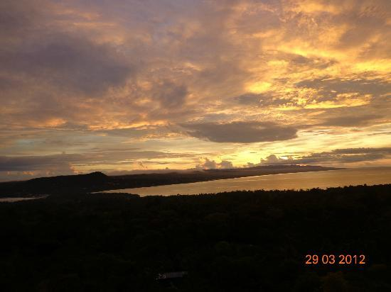 Bohol Vantage Resort: Sunrise