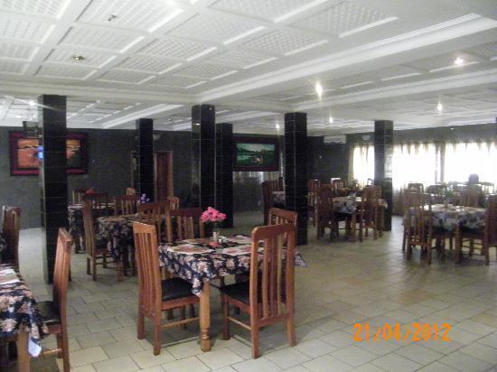 DeLegend Hotel and Suites: Restaurant