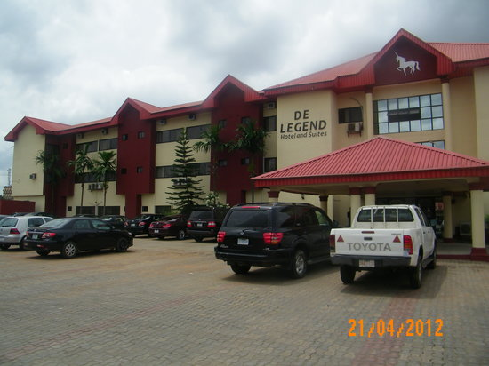 DeLegend Hotel and Suites
