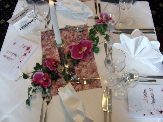 Saale Hotel: Tischdeko beim Candle-Light-Diner