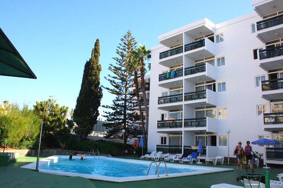 Nightmare Hotel Review Of Roca Verde Apartments Playa Del Ingles Spain Tripadvisor