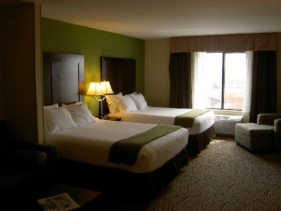 Holiday Inn Express Hotel & Suites Richfield: Room