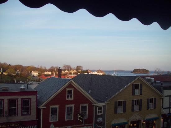 Lord Camden Inn: partial harbor view