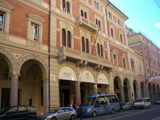 hotel vicino palazzo isolani bologna song - photo#9