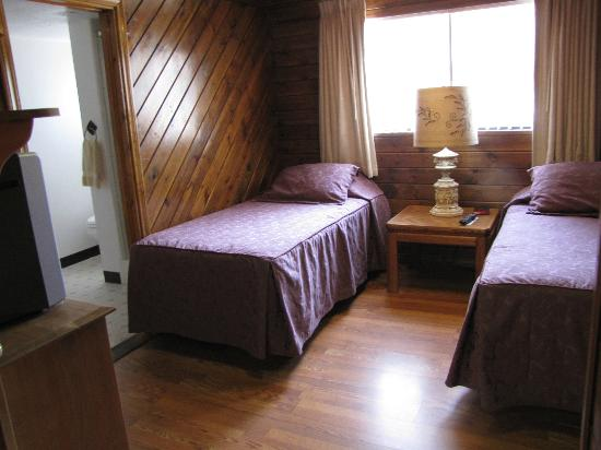 The Kern Lodge: Twin room with ensuite