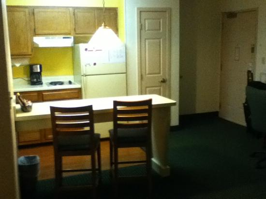 Residence Inn Moline Quad Cities: kitchen area