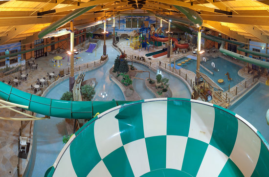 Logger's Landing Indoor Waterpark: getlstd_property_photo