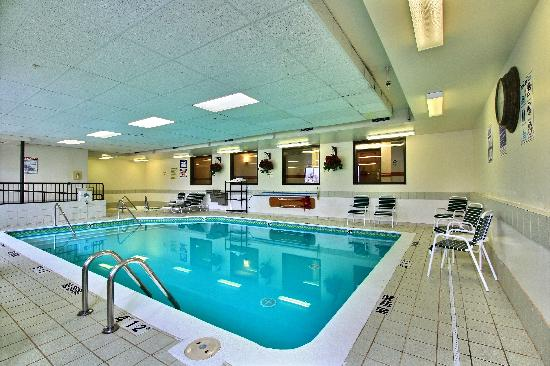Sleep Inn & Suites: Pool Area