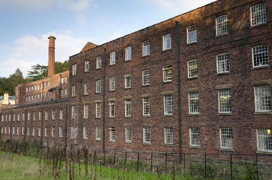 Styal, UK: Explore the fascinating Mill and hear the machines clatter