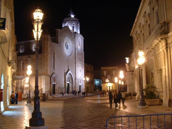 Duomo Lucera : Architettura Gotica al Sud