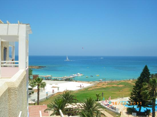 Astreas Beach Hotel Apartments: every morning ... for 5 days :)