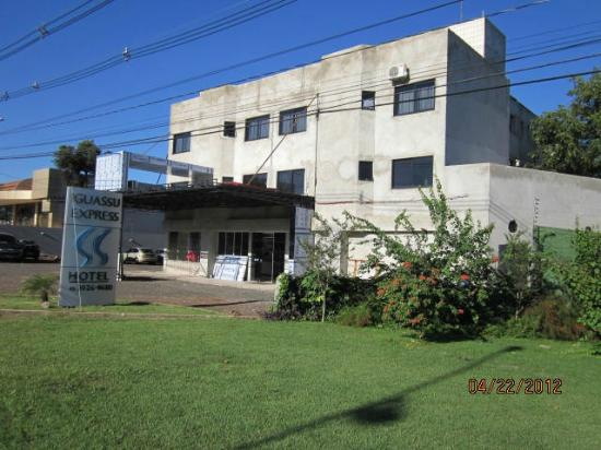 """Iguassu Express Hotel: The taxi drive said with disbeleif:  """"This is your hotel?????"""""""