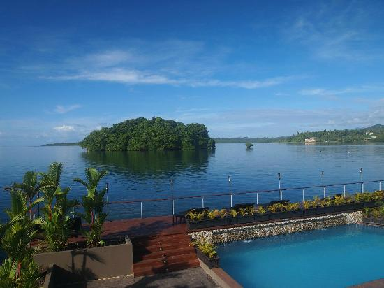 Novotel Suva Lami Bay: The view as you draw the curtains