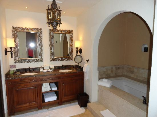 Rosewood San Miguel de Allende: Bathroom