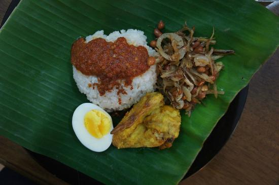 Jen's Homegrown Cooking Academy: The finished nasi lemak