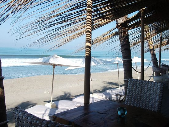 Karma Beach Batu Belig: Karma View from the table