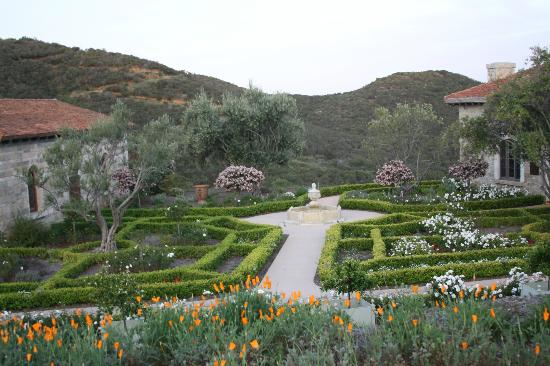 Cal-A-Vie Spa and Resort: Gardens