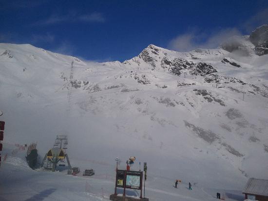 Hotel Les Edelweiss : Dernier jour de ski de la saison dans de belles conditions!