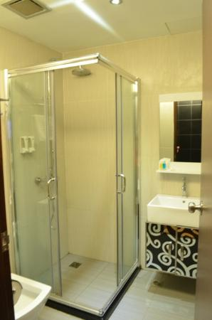 KK Waterfront Hotel : Bathroom is much better