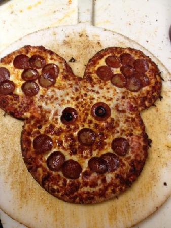 Good Stuff Pizza Co : go Mickey!