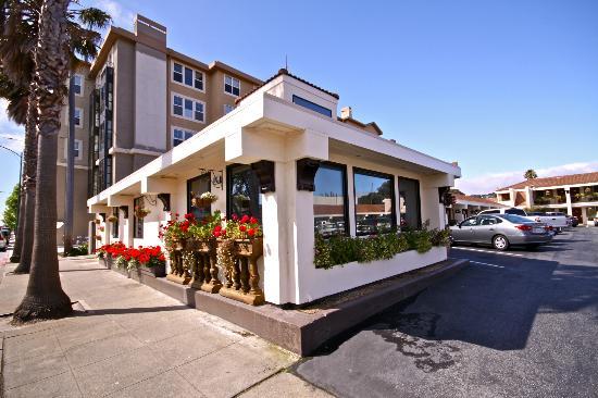 Millwood Inn & Suites : Reception