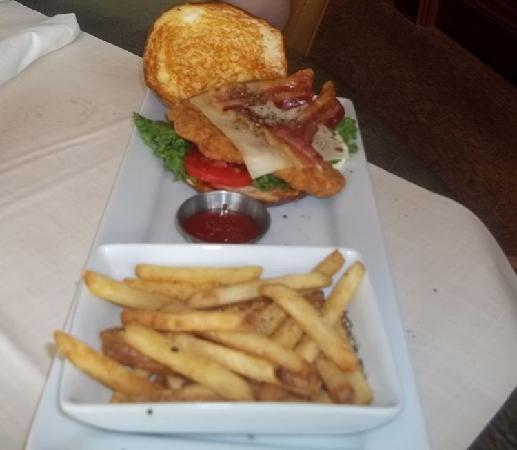 Ruby Tuesday: chicken BLT