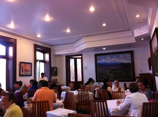 Restaurante El Cardenal: 2do piso.