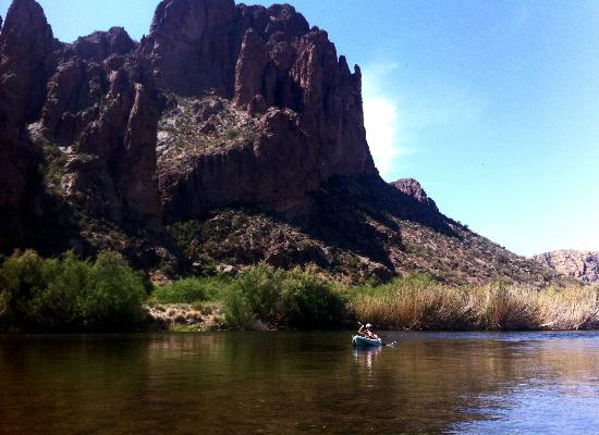 Saguaro Lake Guest Ranch: Another shot on the Salt River