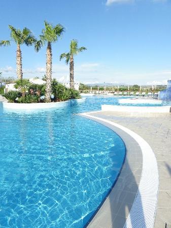 Costanza Beach Club: piscine lagon de l'hôtel