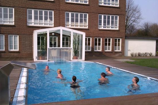 Nordica Hotel Berlin - Heide: udendørs opvarmet pool
