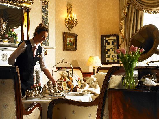 Hayfield Manor Hotel: Afternoon Tea