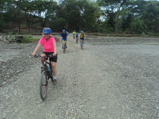 Кепос, Коста-Рика: Eva Tours
