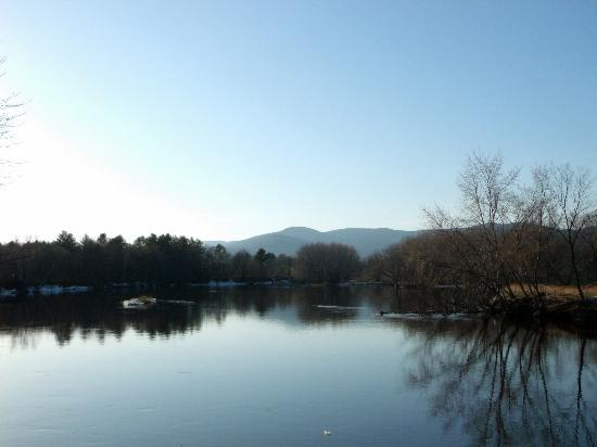 River View Resort: The Androscoggin River