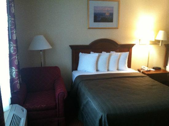 Quality Inn Mount Vernon: Bed