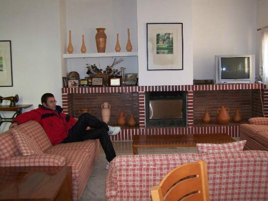 Xorret del Cati Hotel: Salón de la chimenea