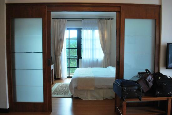 Hotel De La Ferns Anese Style Sliding Doors Separate The Bedroom From Living