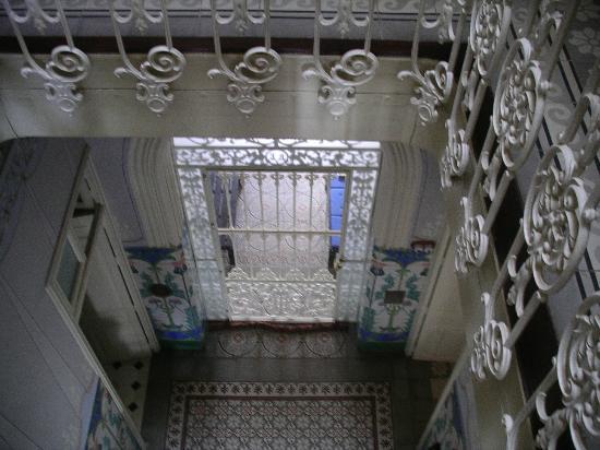 La Casa Noble : Entrada y escalera