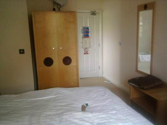 The Beeches Hotel: This was my single room - lots of space