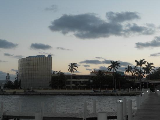 راديسون فورت جورج هوتل آند مارينا: View from the bay
