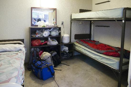 Housekeeping Camp : The room with the bunk beds.