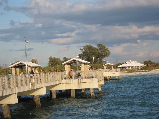 Fort De Soto Park: Bay Pier