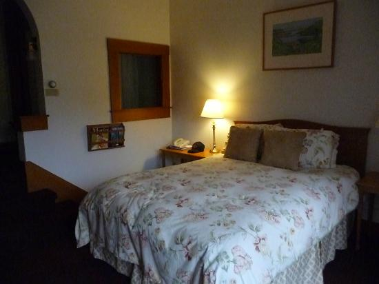 The Lodge at Point Reyes: Our room showing bed and window to shower and sink