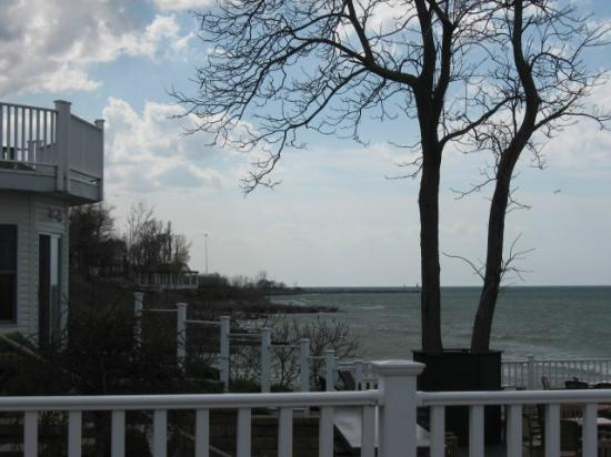 The Lakehouse Inn: View of Lake Erie