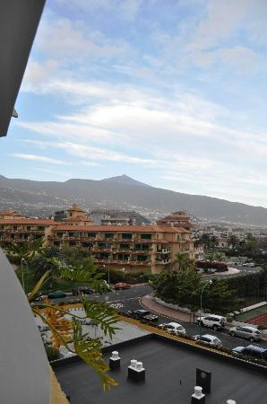 Hotasa Puerto Resort Bonanza Palace : View of Tiede from our balcony.
