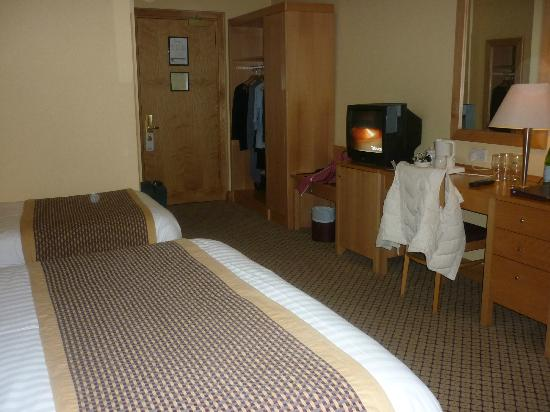 Fairways Hotel: large room