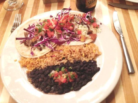 Bejas Patio Bistro : Fajita tacos