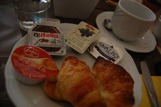 Botaniek  Hotel: Breakfast - decent.