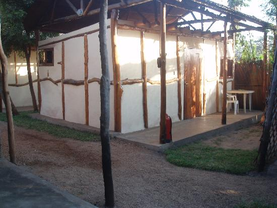Bedouin Hotel - Juba: Rooms are in separate little cabins